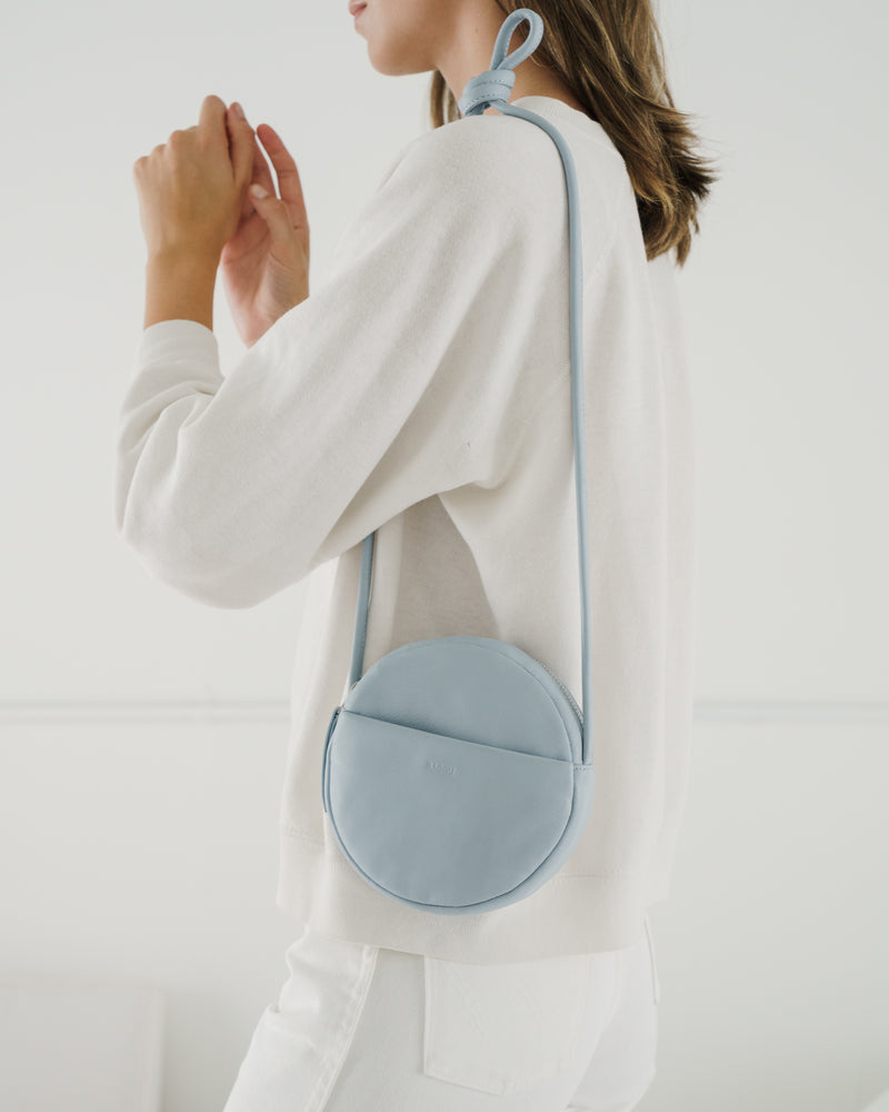 BAGGU  Soft Mini Circle Purse - Soft Blue