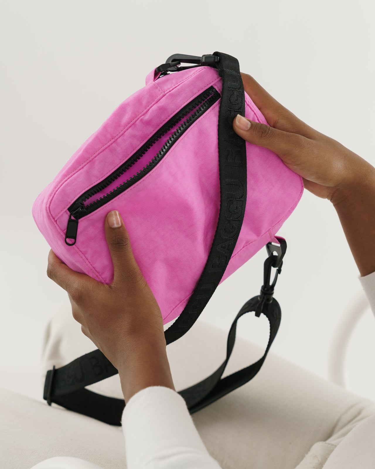 Sport Crossbody - Bright Pink
