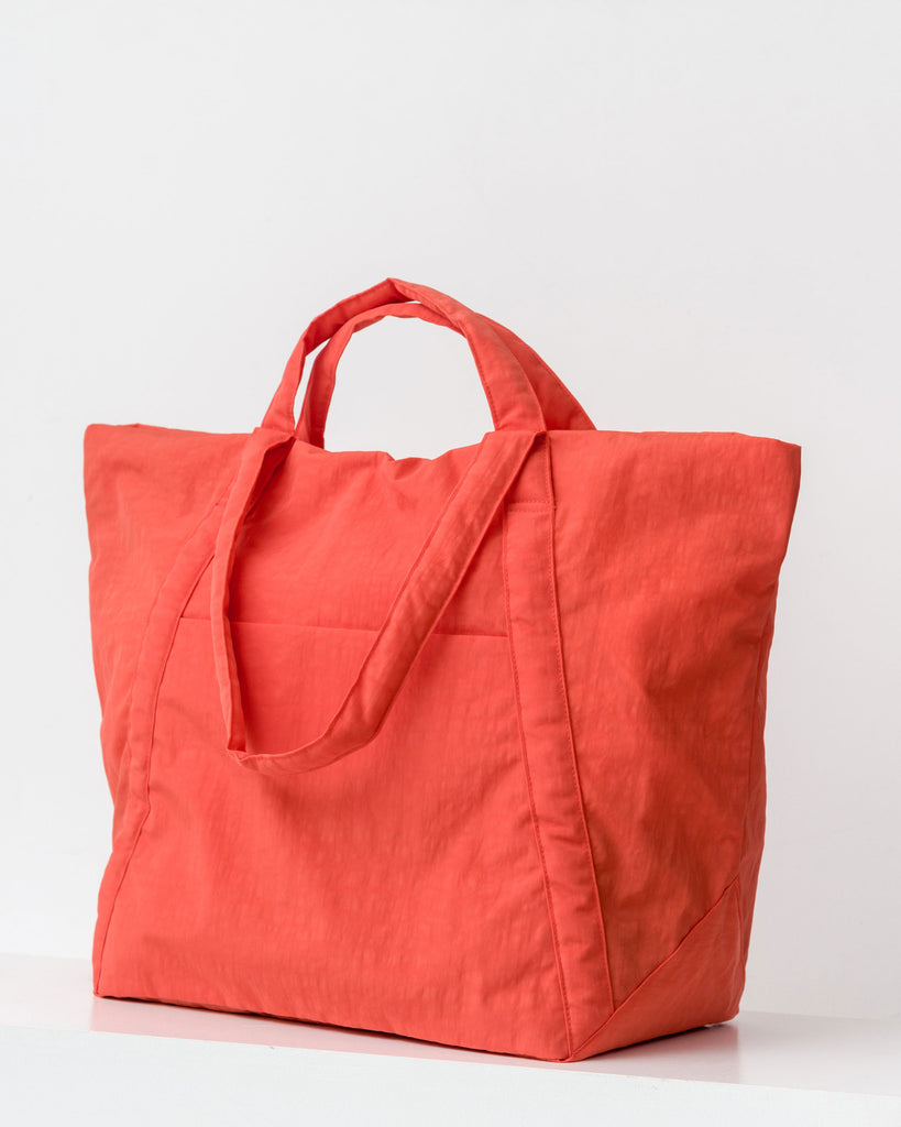 BAGGU Travel Cloud Bag in Poppy Red Nylon