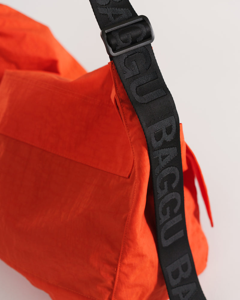 Travel Sport Messenger Bag - Tomato