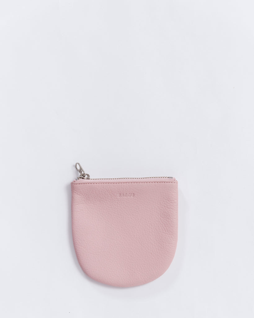 Small U Pouch - Leather Pouch - Powder Pink - Light Pink - A small leather pouch for coins, keys and other small essentials. - Tags: Leather pouch, zip pouch, coin pouch
