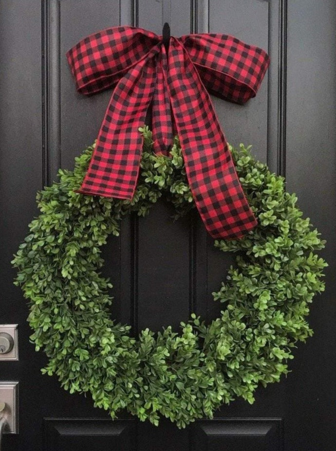Rustic Christmas Boxwood Wreath - TwoInspireYou