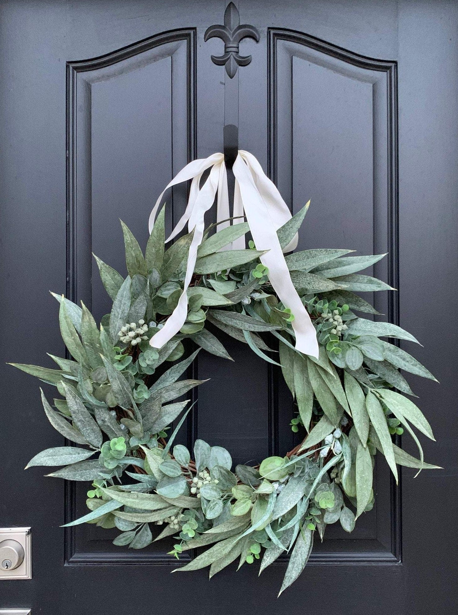 Farmhouse Bay Leaf and Eucalyptus Wreath - TwoInspireYou