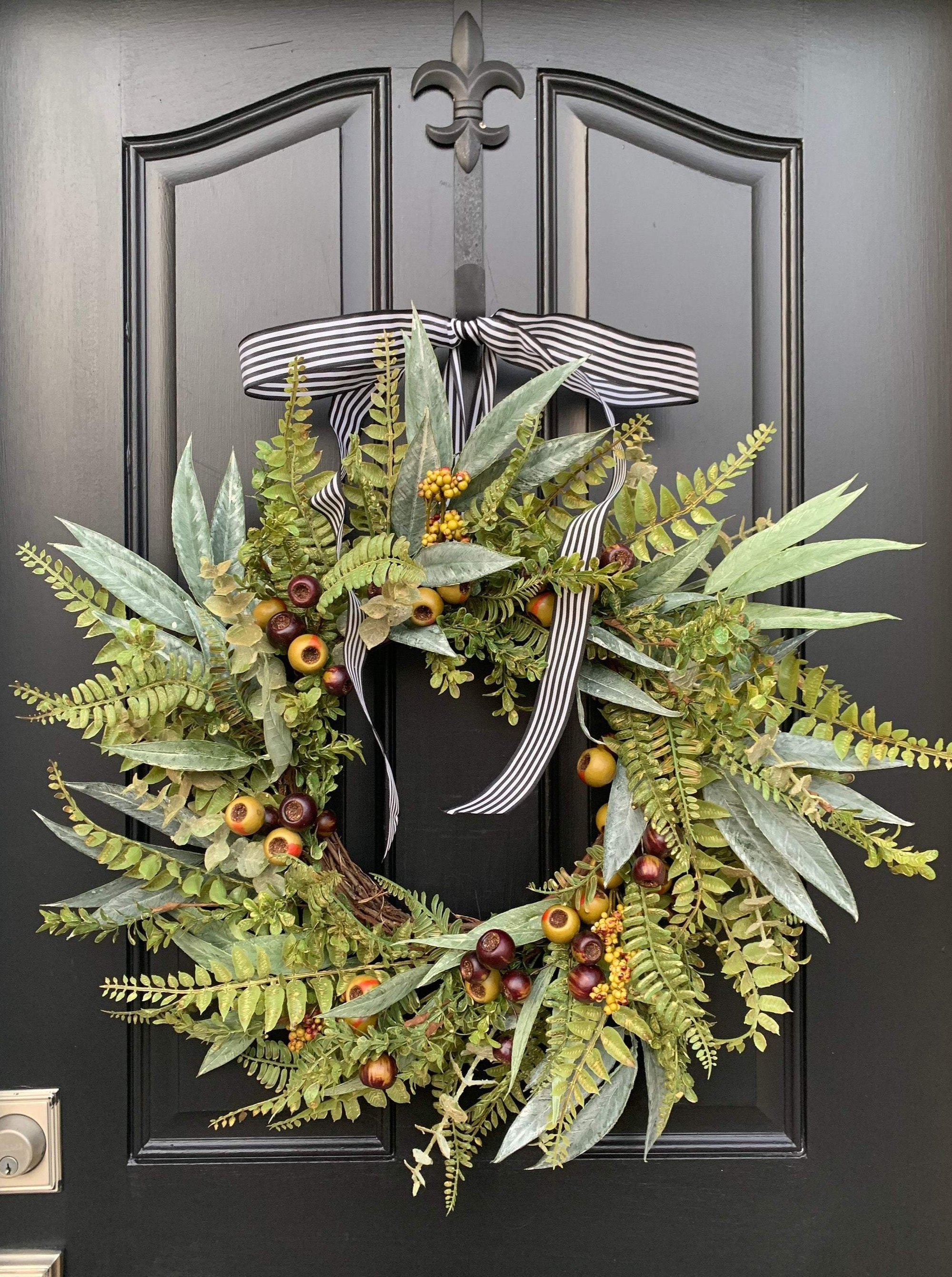 Fern, Bay Leaf and Rosehip Wreath - TwoInspireYou