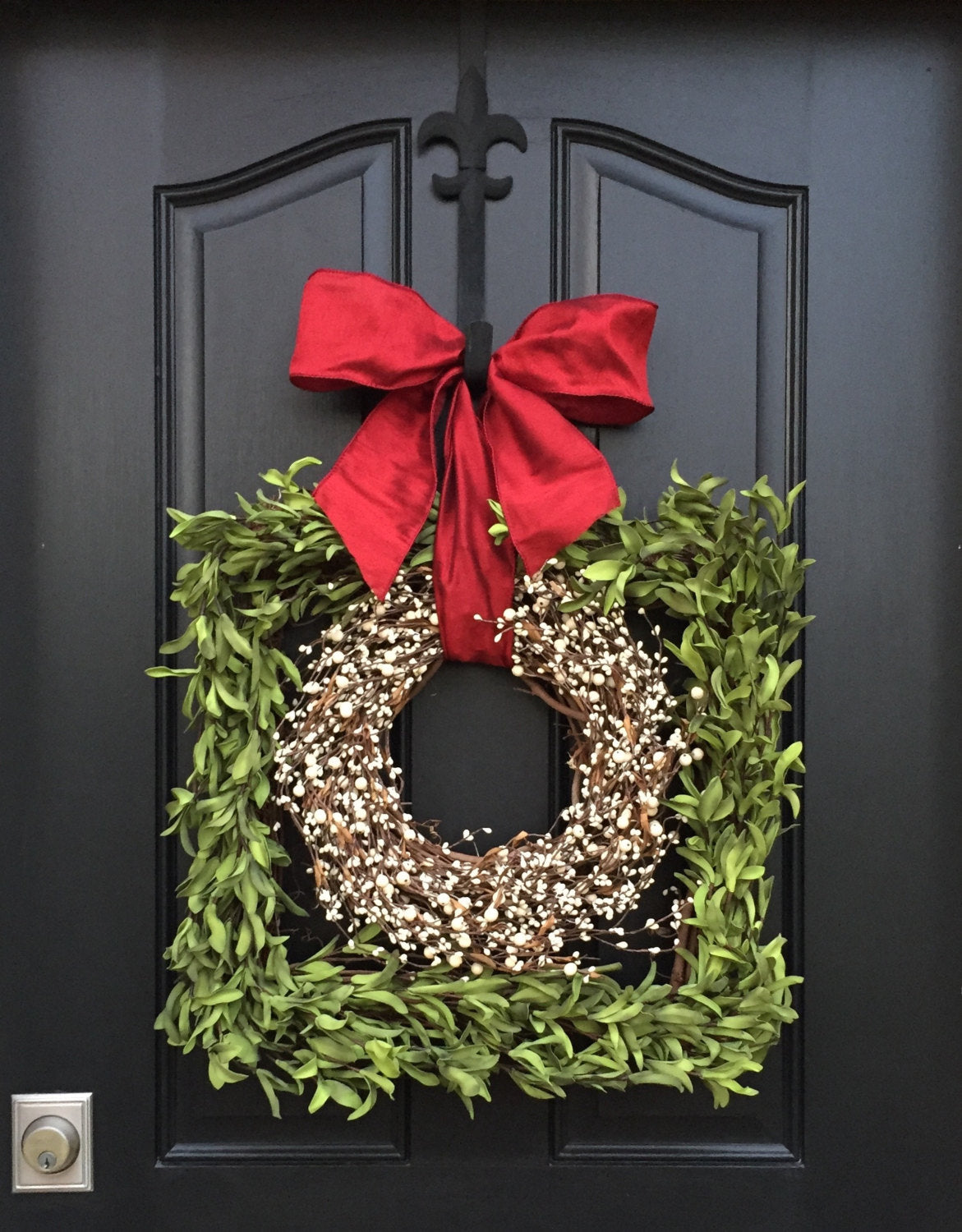 Square Boxwood and Berries Christmas Wreath - TwoInspireYou