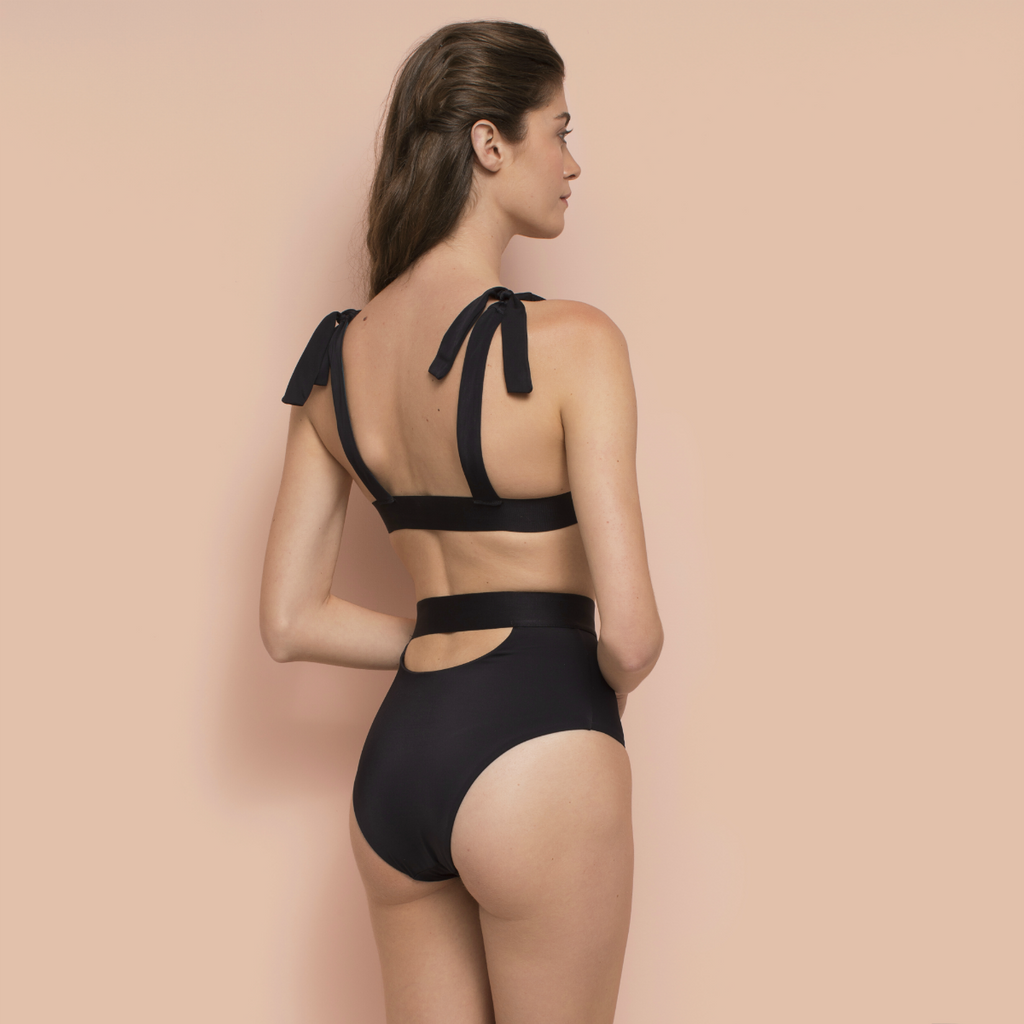 Cutout Bottom Black