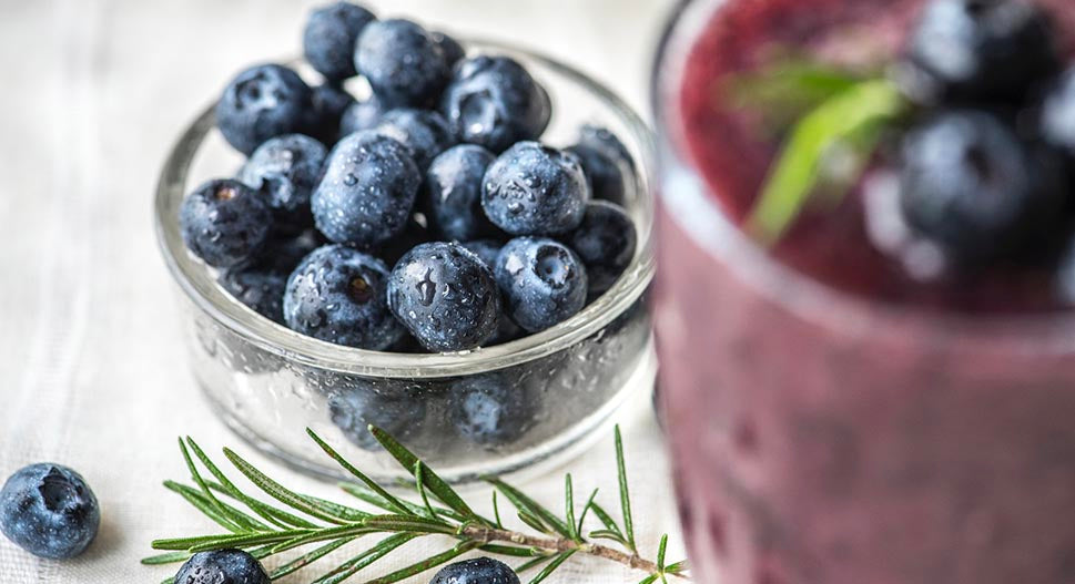 vegan blueberry protein smoothie