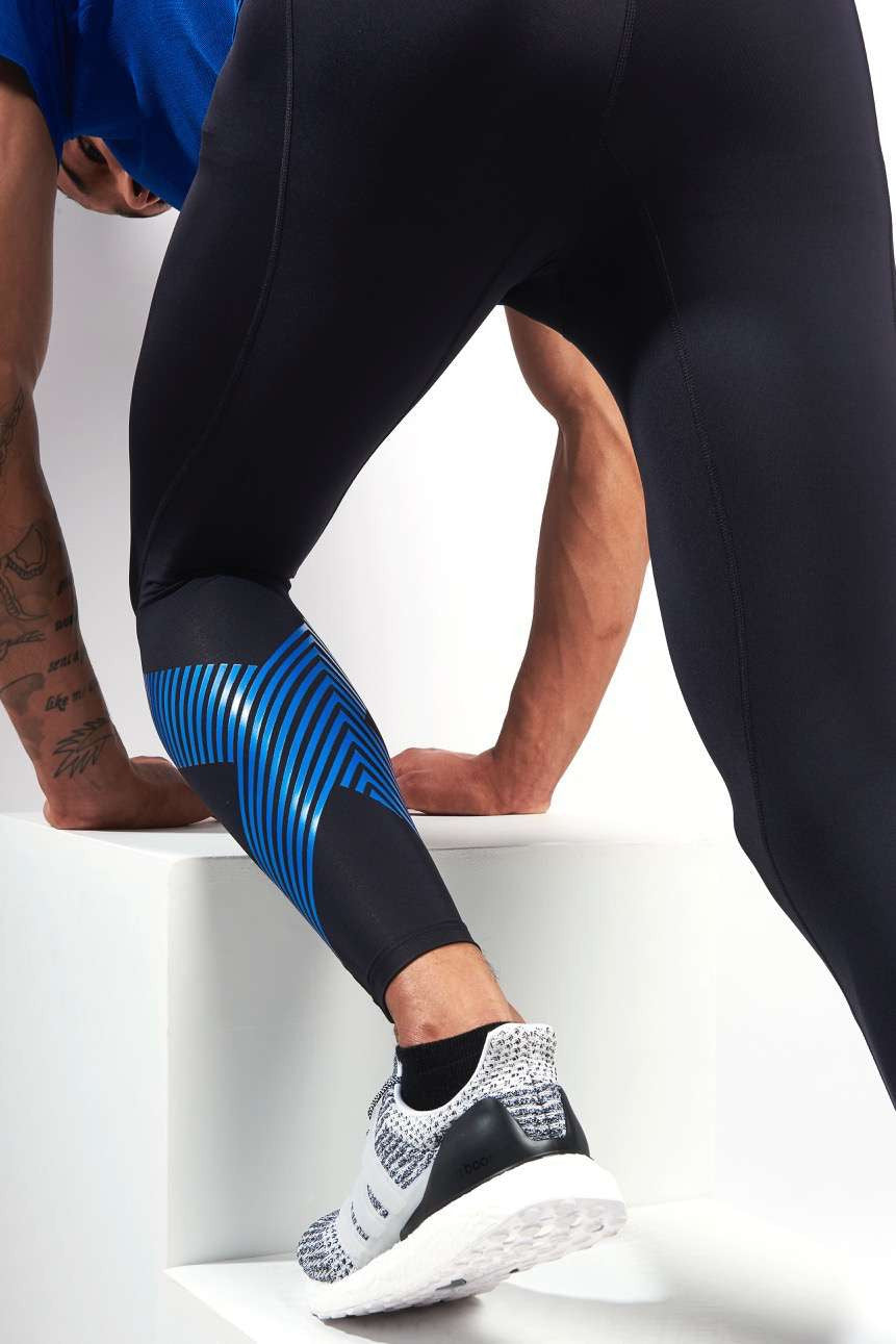 2XU Accelerate Compression Tights Blk/Blue image 3 - The Sports Edit