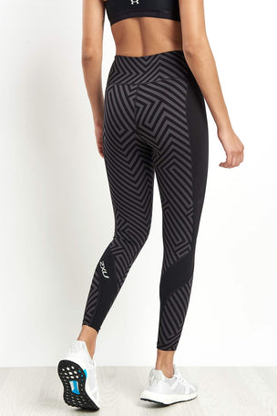 2XU Pattern Fitness Compression Tight image 2 - The Sports Edit