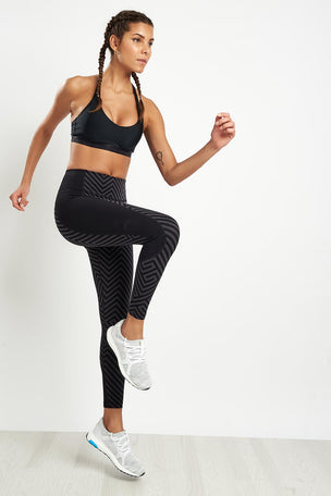 2XU Pattern Fitness Compression Tight image 4 - The Sports Edit