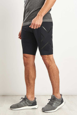 2XU Accelerate Comp Shorts Blk/Nero image 1 - The Sports Edit