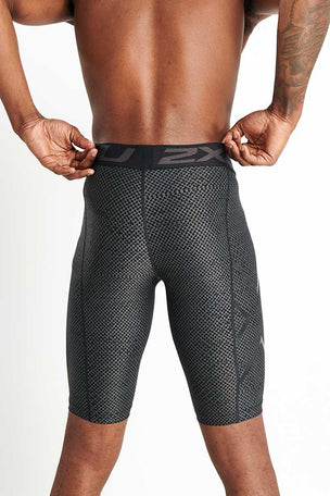 2XU Print Accelerate Compression Shorts – Textured Mesh Charcoal image 3 - The Sports Edit