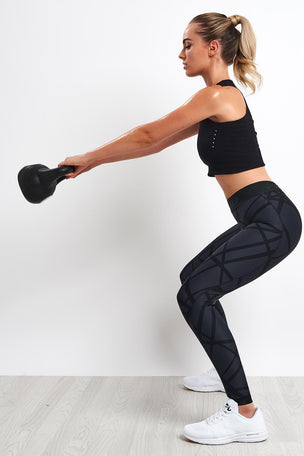2XU Print Accelerate Compression Tights image 4 - The Sports Edit