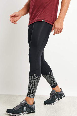 2XU Reflect Run Tights - Black/Silver Reflective image 3 - The Sports Edit