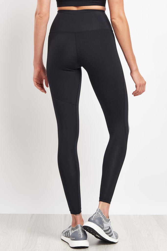 d65484aed 2XU High Rise Compression Tights - Black/Silver image 2 - The Sports Edit
