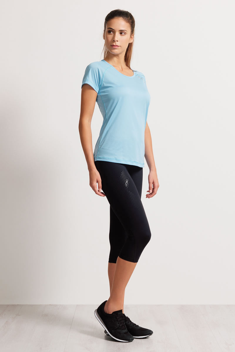 2XU Mid-Rise 3/4 Compression Tights image 4 - The Sports Edit