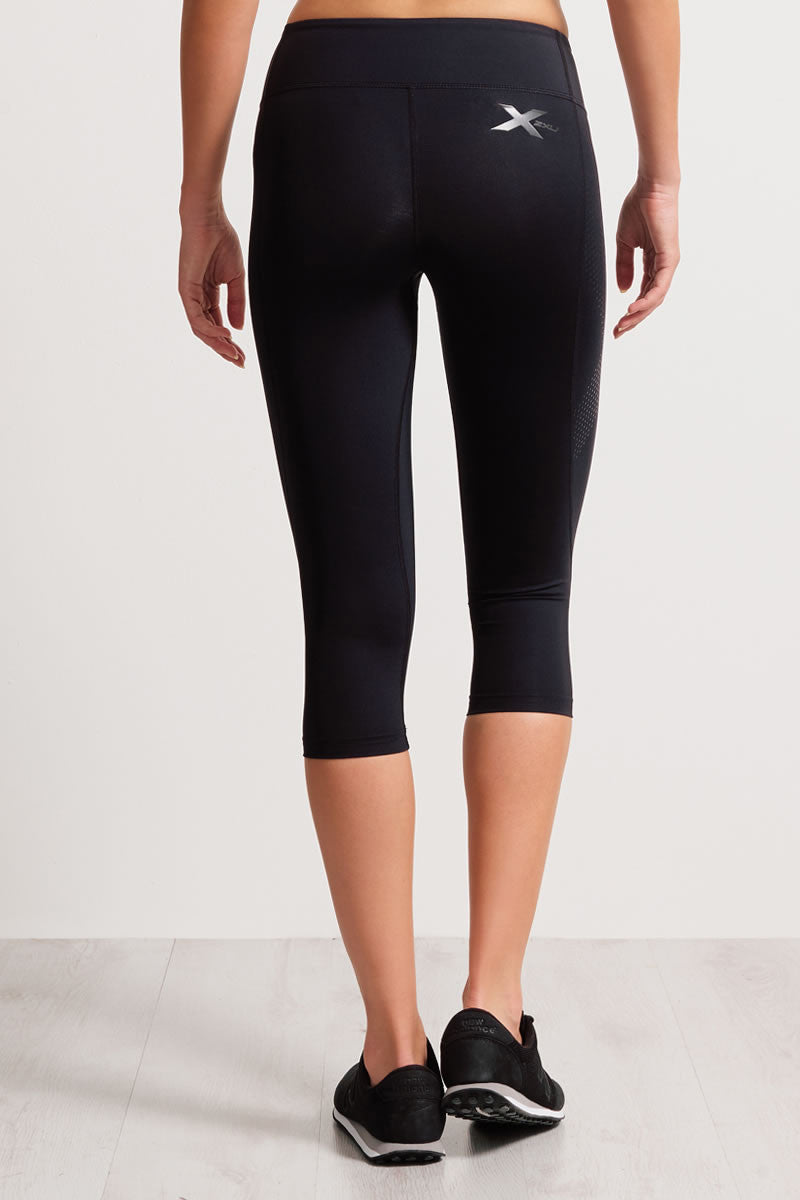 2XU Mid-Rise 3/4 Compression Tights image 3 - The Sports Edit