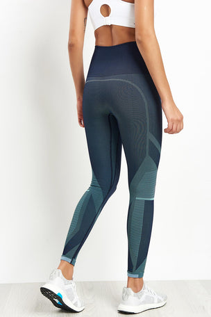 LNDR Spectrum Cropped Leggings image 2 - The Sports Edit