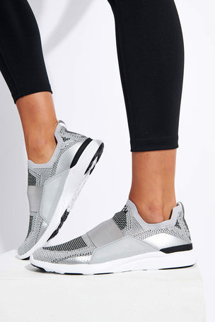 APL TechLoom Bliss - Metallic Silver/White/Black image 5 - The Sports Edit