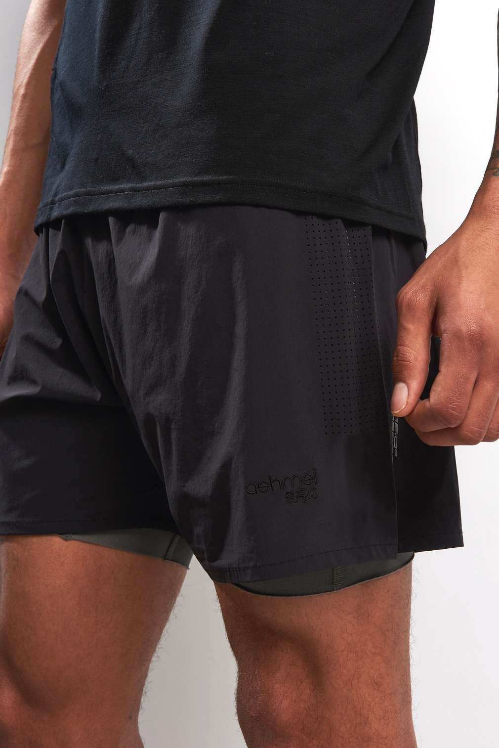 Ashmei 2 in 1 Shorts - Black image 3 - The Sports Edit