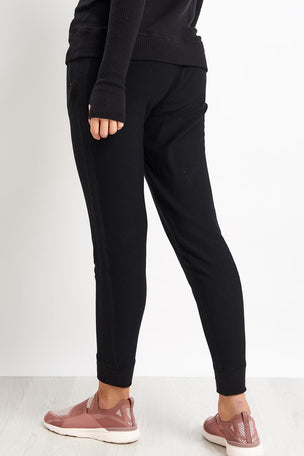 Alala Alala Rise Jogger image 2 - The Sports Edit