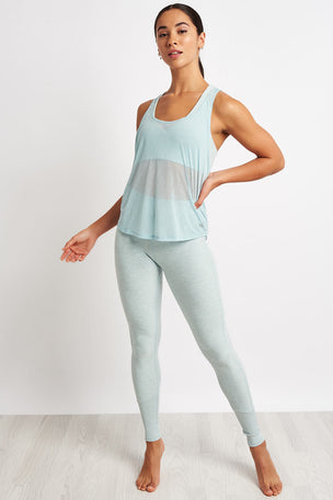Alo Yoga Arrow Tank - Cloud image 4 - The Sports Edit