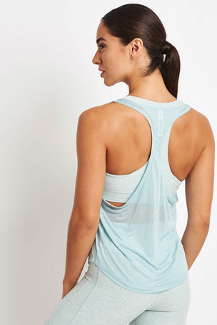 Alo Yoga Arrow Tank - Cloud image 2 - The Sports Edit