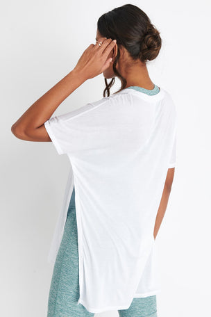 Alo Yoga Dreamer Short Sleeve Top - White image 3 - The Sports Edit