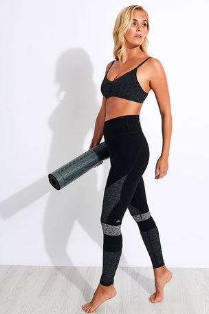 Alo Yoga High Waisted Alosoft Momentum Legging - Black/Dark Grey/Dove Grey image 2 - The Sports Edit