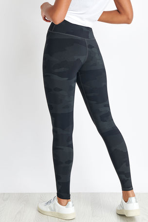 Alo Yoga High-Waist Vapor Legging - Black Camo image 2 - The Sports Edit