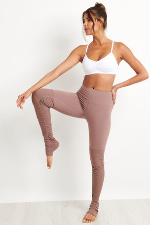 Alo Yoga High Waist Goddess Legging - Smoky Quartz image 4 - The Sports Edit