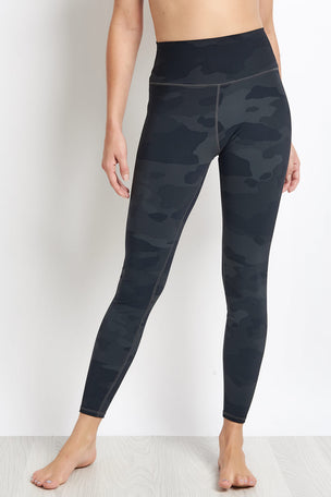 Alo Yoga High-Waist Vapor Legging - Black Camo image 1 - The Sports Edit