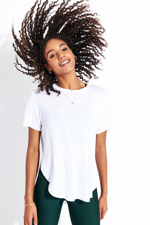 Alo Yoga Lithe Tee - White image 2 - The Sports Edit
