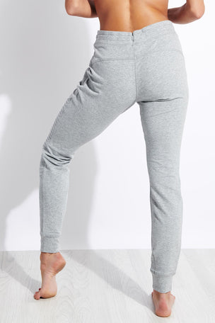 Alo Yoga Urban Moto Sweatpant - Dove Grey Heather image 3 - The Sports Edit