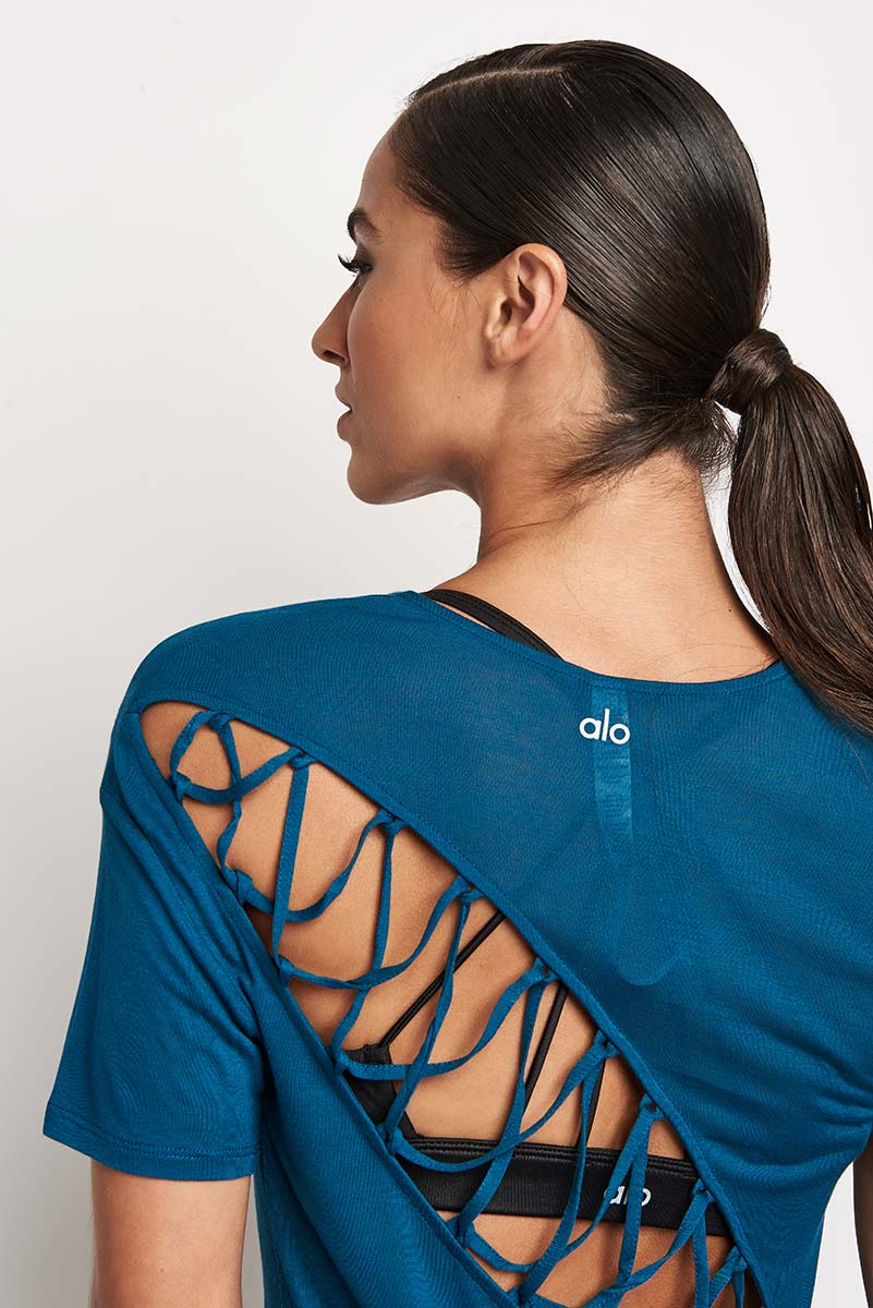 Alo Yoga Entwine Short Sleeve Top - Legion Blue image 3 - The Sports Edit
