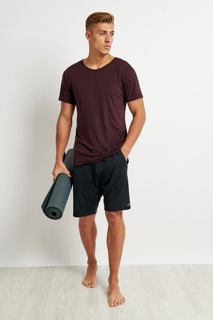 Alo Yoga Ultimate Short Sleeve Tee - Oxblood image 3 - The Sports Edit