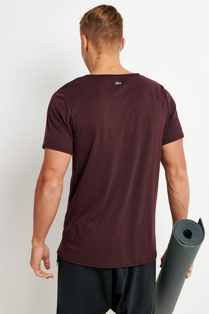 Alo Yoga Ultimate Short Sleeve Tee - Oxblood image 2 - The Sports Edit