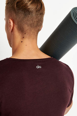 Alo Yoga Ultimate Short Sleeve Tee - Oxblood image 4 - The Sports Edit