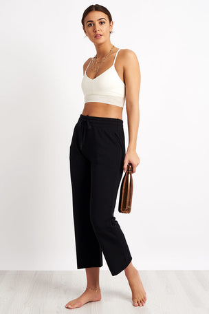 Beyond Yoga Above Water Cropped Sweatpant - Black image 4 - The Sports Edit