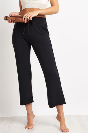 Beyond Yoga Above Water Cropped Sweatpant - Black image 5 - The Sports Edit