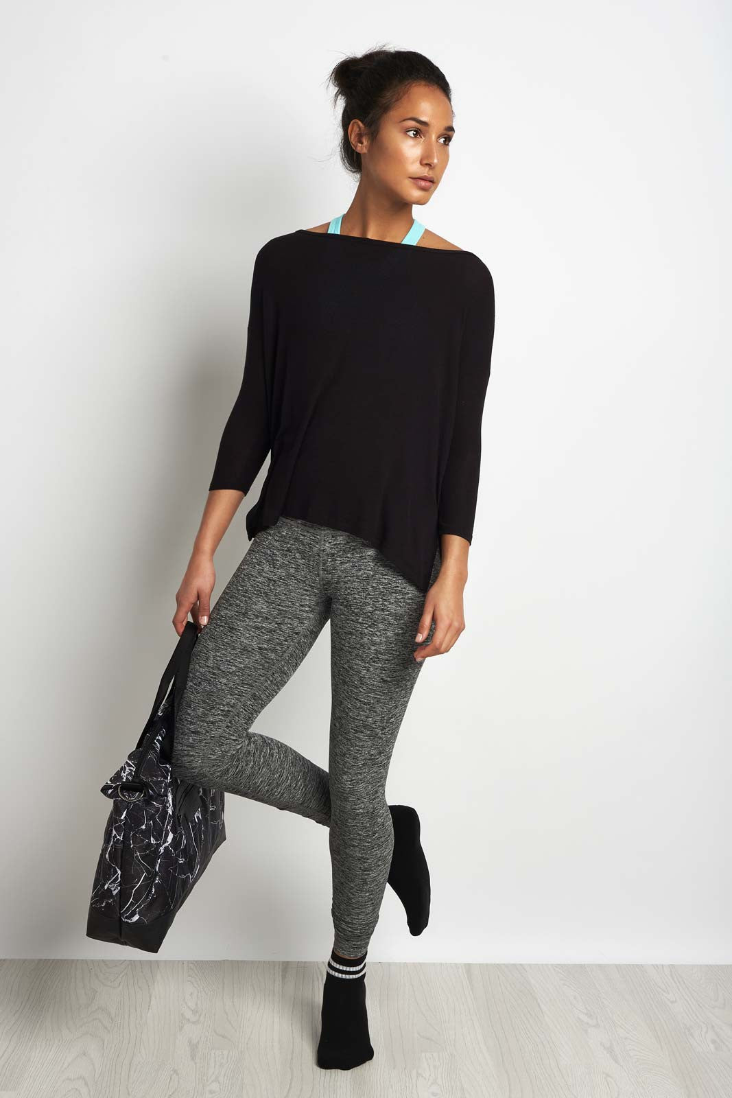 Beyond Yoga On & Off Ribbed Boxy Tunic Blk image 4 - The Sports Edit