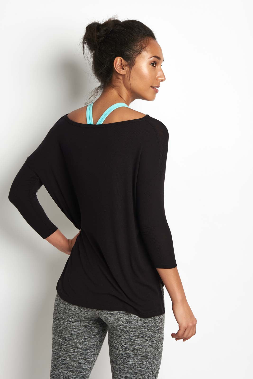 Beyond Yoga On & Off Ribbed Boxy Tunic Blk image 2 - The Sports Edit