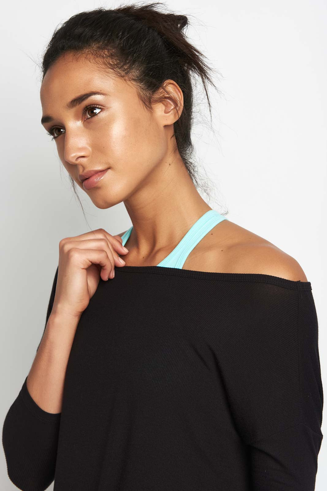 Beyond Yoga On & Off Ribbed Boxy Tunic Blk image 3 - The Sports Edit