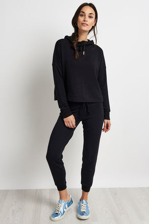 Beyond Yoga Sedona Cropped Hoodie - Black image 3 - The Sports Edit