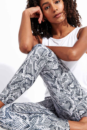 Dharma Bums Aliyah High Waist Printed 7/8 Legging image 4 - The Sports Edit