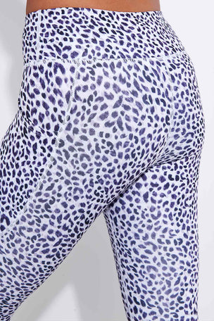 Dharma Bums Sahara Bondi Pocket Printed Recycled 7/8 Legging image 4 - The Sports Edit