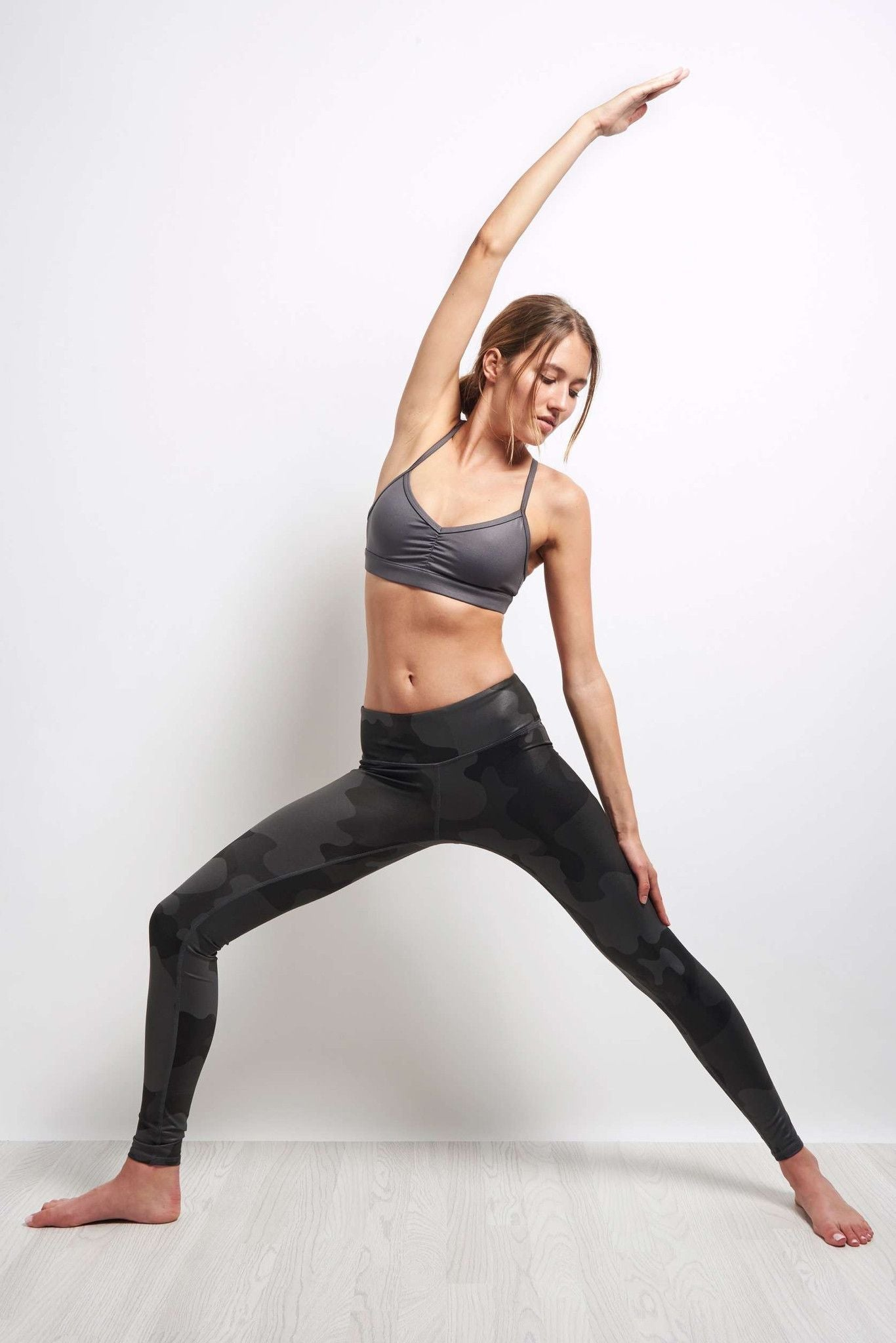 Alo Yoga Airbrush Legging - Black Camo image 5 - The Sports Edit