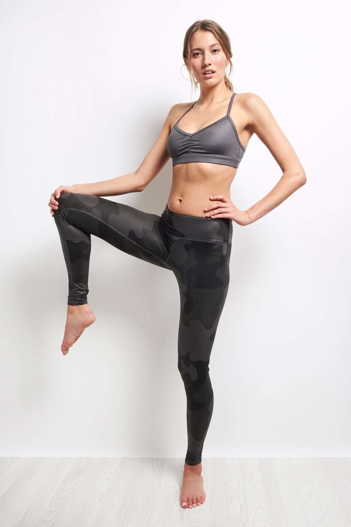Alo Yoga Airbrush Legging - Black Camo image 2 - The Sports Edit