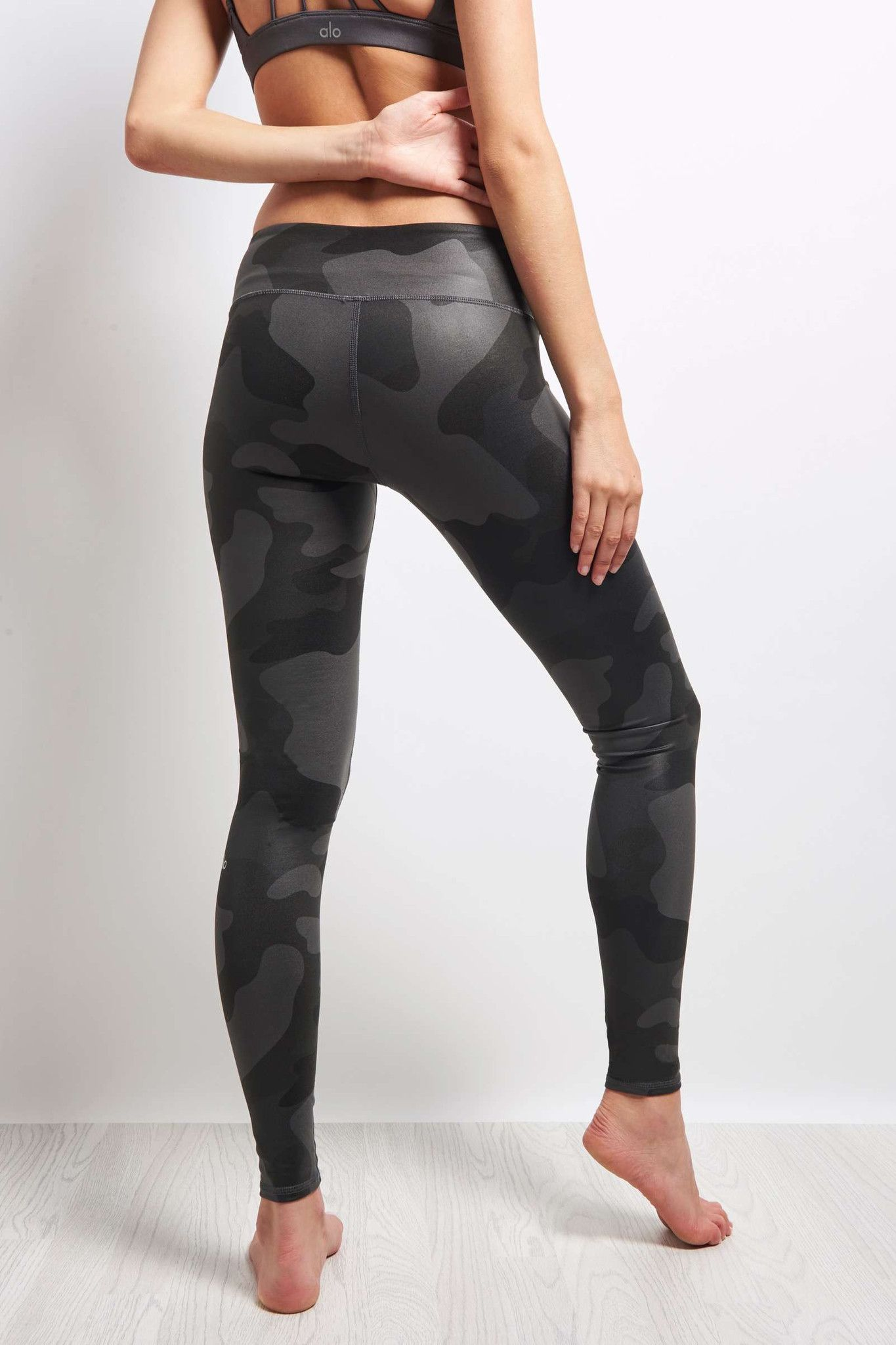 Alo Yoga Airbrush Legging - Black Camo image 3 - The Sports Edit