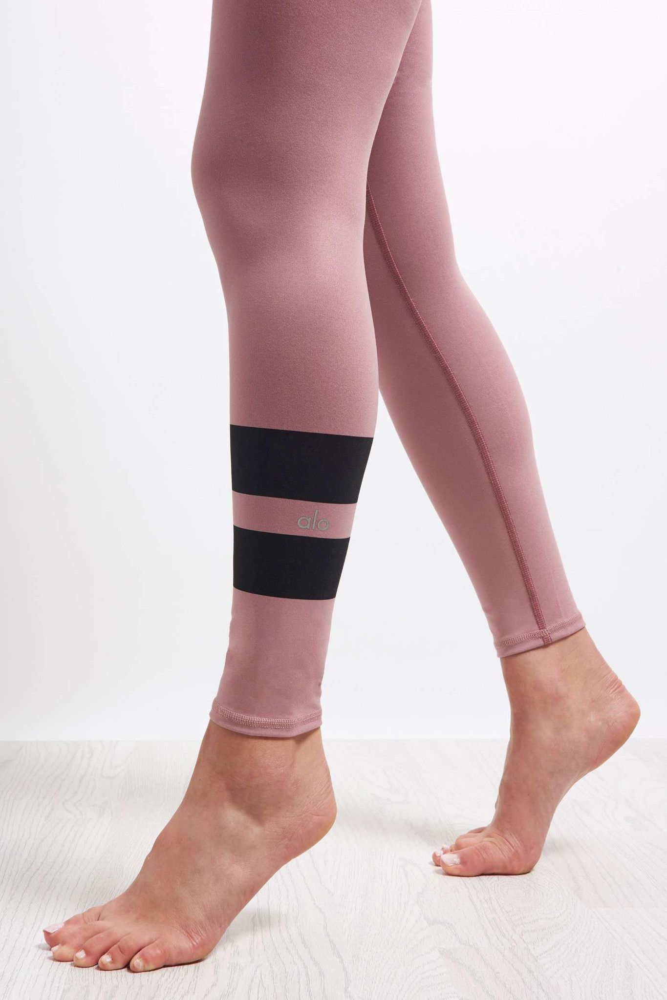 Alo Yoga High Waist Airbrush Legging - Gradient Grenache image 4 - The Sports Edit